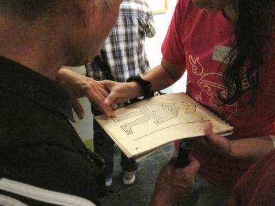 香港文化博物館《闔家平安 ── 館藏中國傳統民間木版畫》展覽設有觸感圖,讓不同能力的參觀者可以透過觸覺欣賞作品
